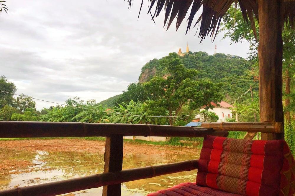Bungalow Deluxe, 1 cama de matrimonio grande, vistas a la montaña, mirando al patio - Vistas al balcón