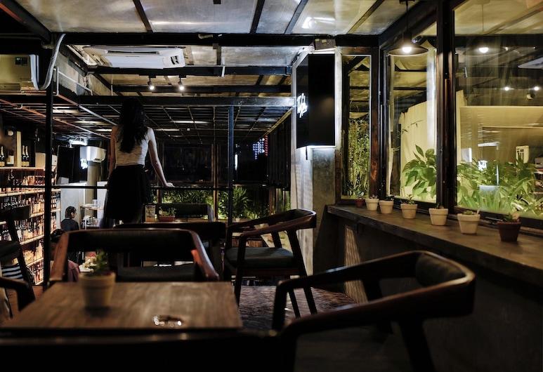 秘密花園酒店, 峴港, 酒店酒吧