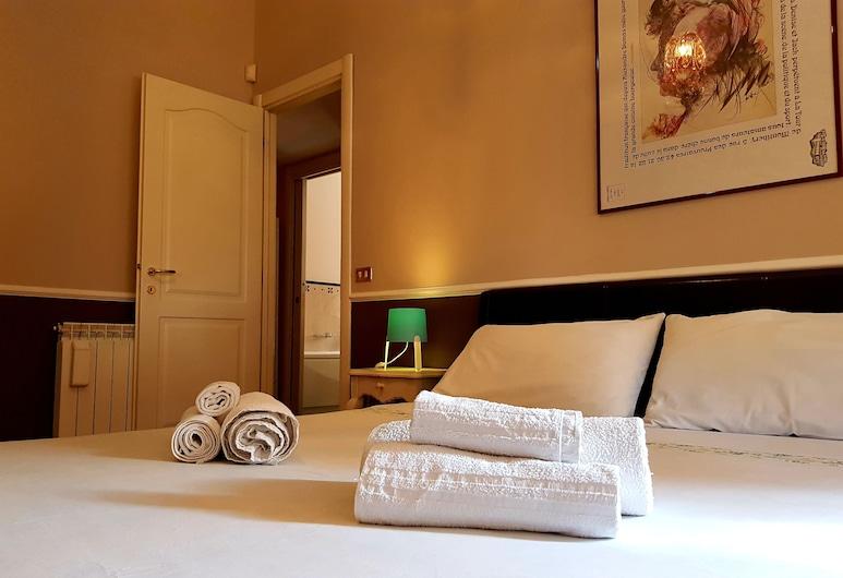 Domus Doria Pamphilj, Rome, Deluxe Double Room, Private Bathroom, Guest Room