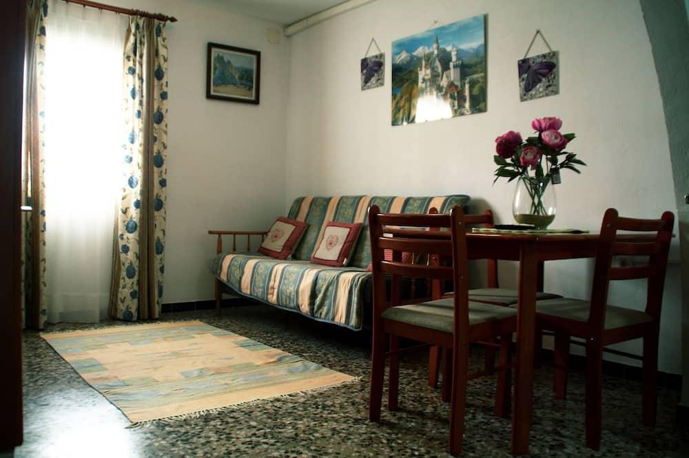 Apartment, 1 Bedroom (Europa) - Living Room