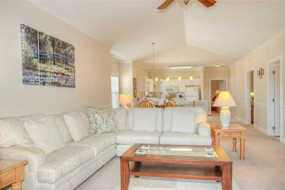 Condo, 3 Bedrooms, Kitchen - Living Area