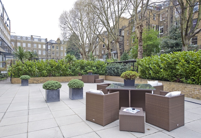 Nevern Place by Supercity Aparthotels , London, Courtyard