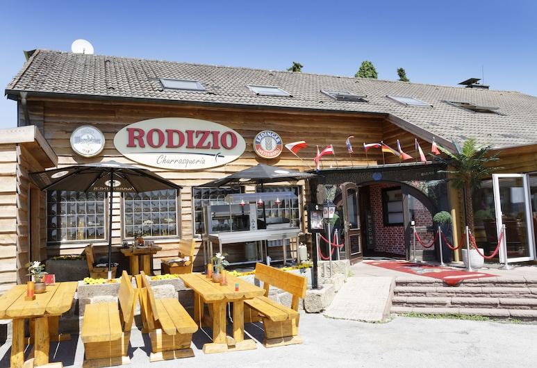 Hotel Restaurant Rodizio Paderborn, Altenbeken, Ristorazione all'aperto