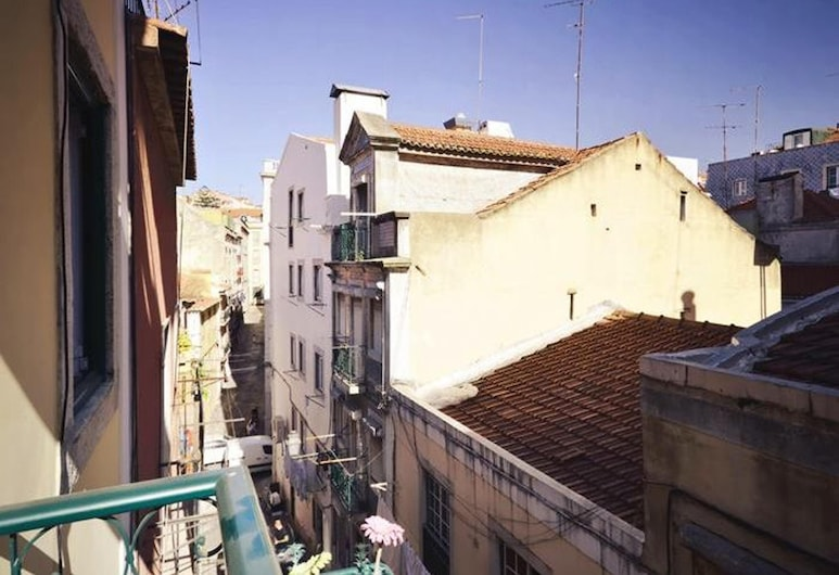 Apartment With one Bedroom in Lisboa, With Wonderful City View, Balcony and Wifi - 12 km From the Beach, Lissabon, Parveke