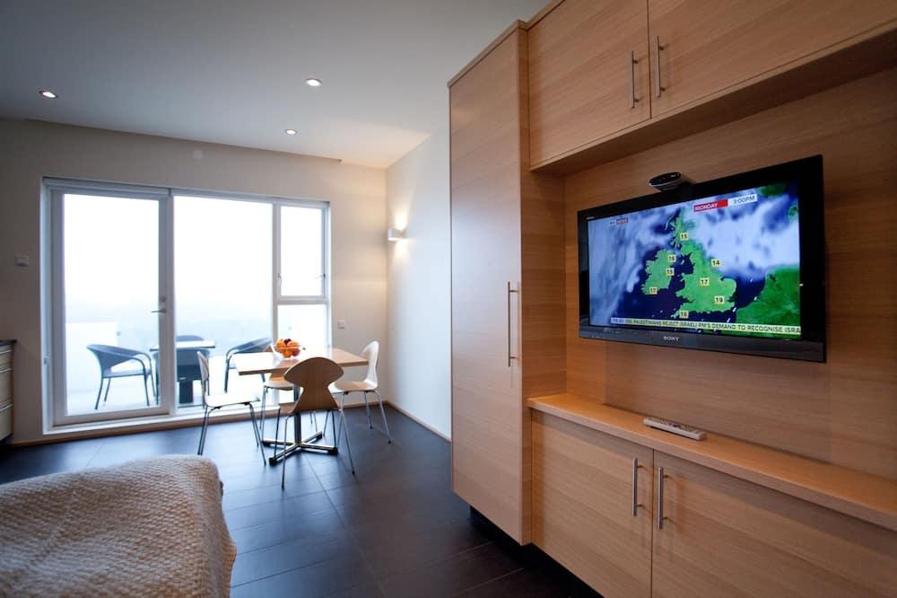 Studio, Hot Tub - Living Room