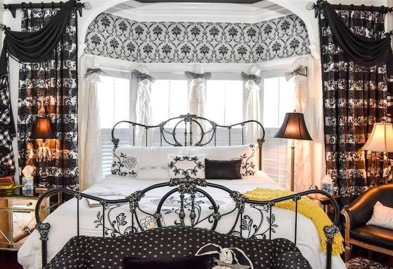The Richard Johnston Inn & 1890 Caroline House, Fredericksburg, Sawyer Scott Room, Guest Room
