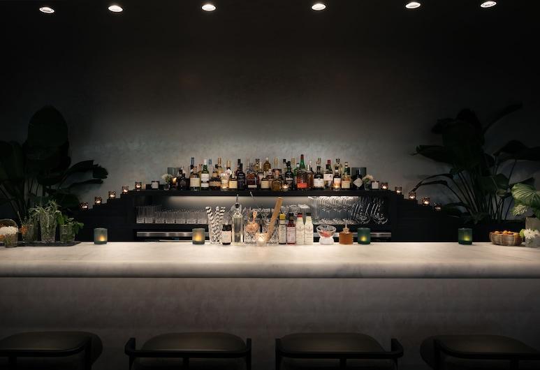 The Annex, Toronto, Bar del hotel