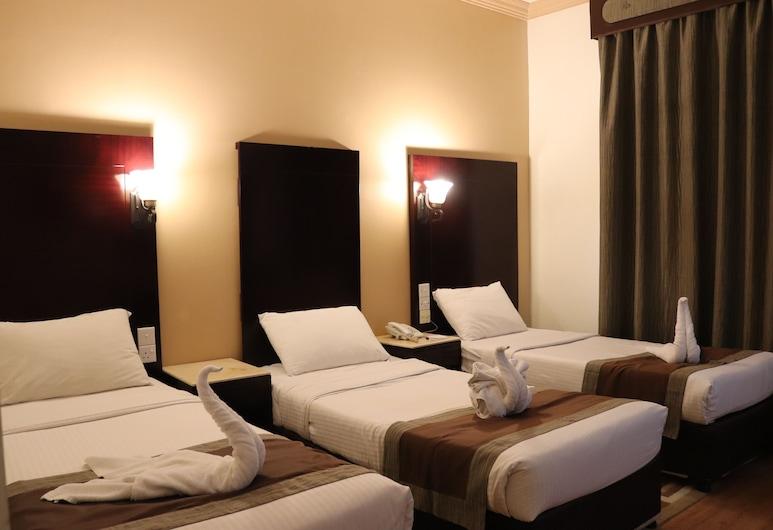 Signature Inn Deira, Dubaj, Trojlôžková izba typu Deluxe, Hosťovská izba
