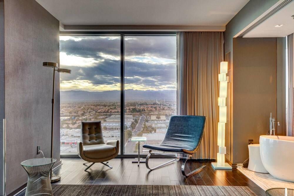 Ekskluzīvs luksusa numurs, 1 divguļamā karaļa gulta un dīvāngulta, nesmēķētājiem, skats uz pilsētu - Dzīvojamā zona