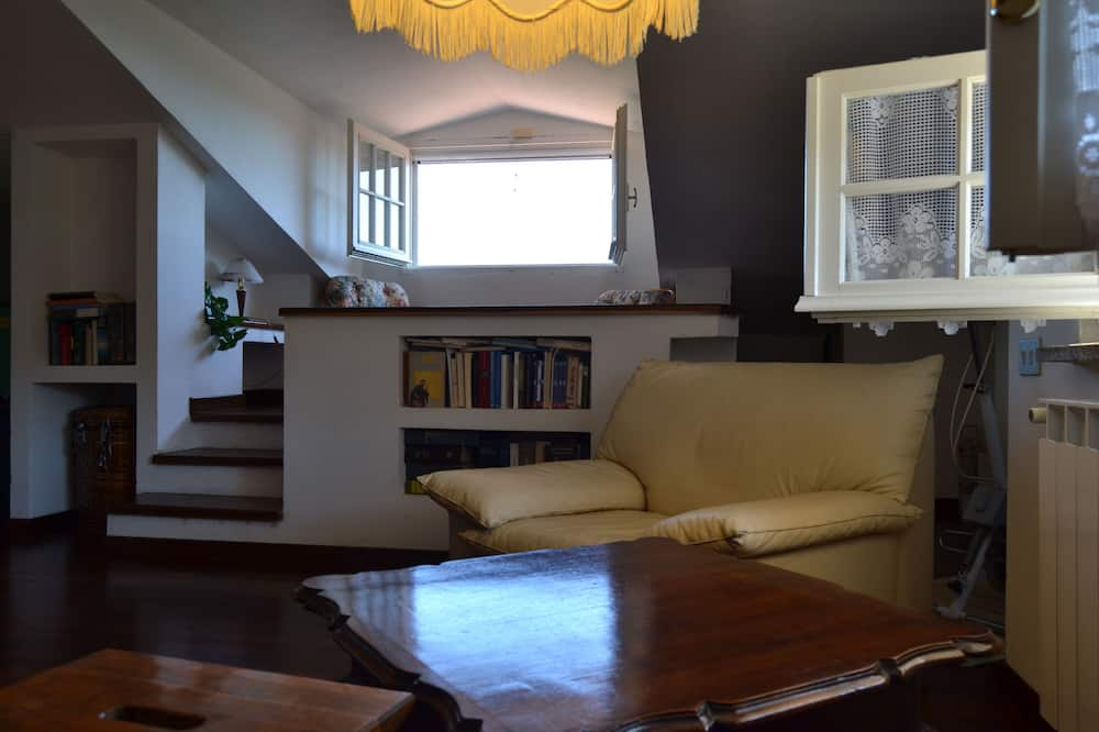Superior Suite, 2 Bedrooms, Sea View - Living Area