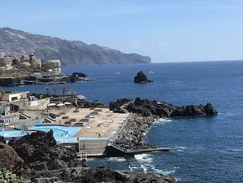 Picture of Apartamentos do Mar in Funchal