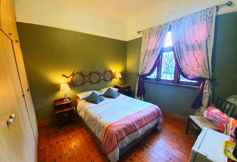 Happy Home Woodstock, Cape Town, Red Room, Guest Room