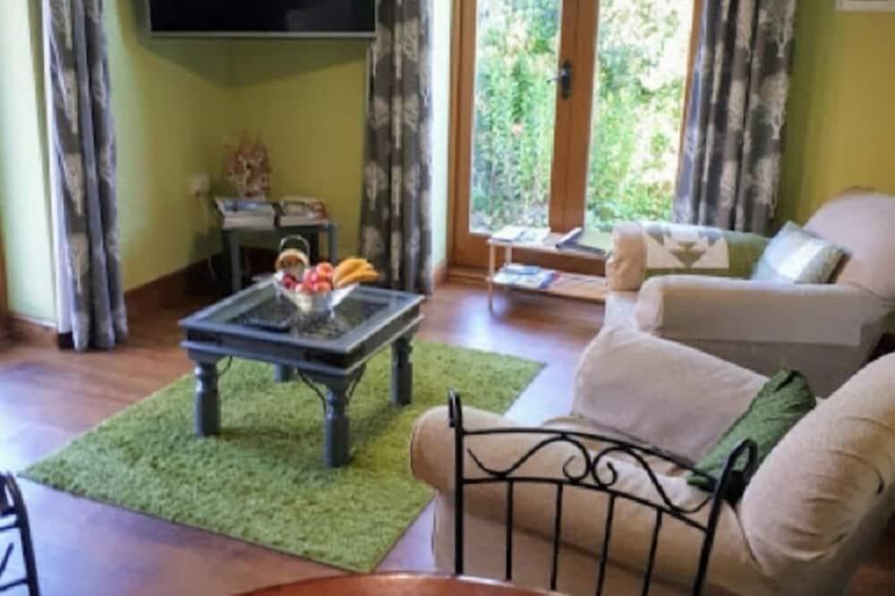 Family Δωμάτιο, Θέα στον Κήπο - Καθιστικό