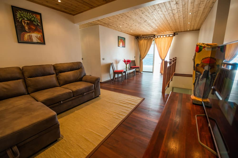 Design-Villa, 4Schlafzimmer, 2 Bäder, Blick auf die Lagune - Wohnzimmer