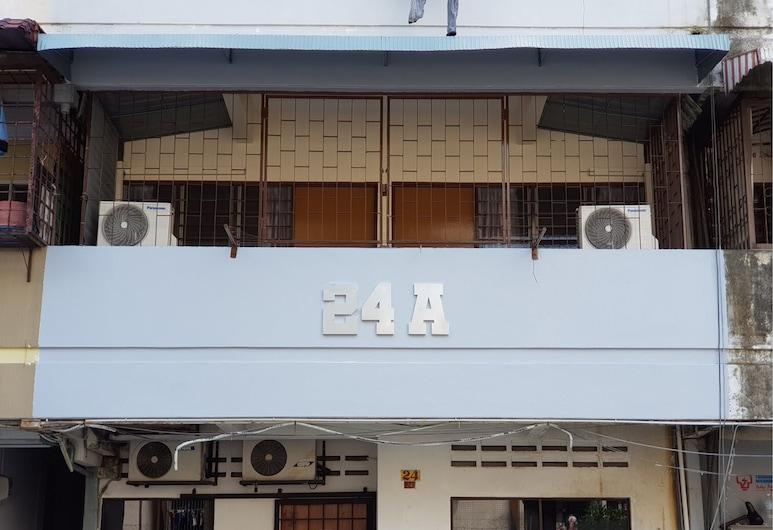 武吉免登附近 24A 家庭旅館, 吉隆坡, 住宿正面