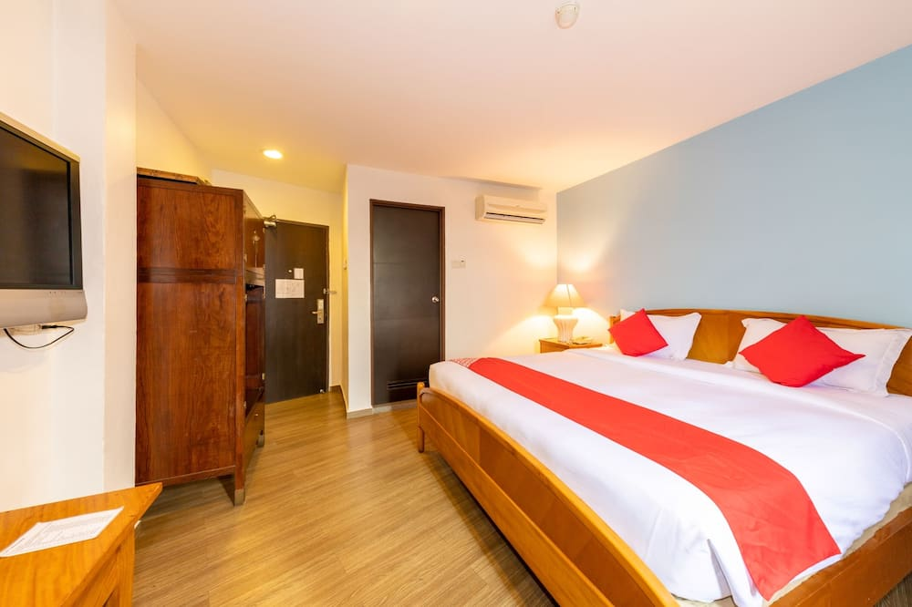Deluxe Double Room, 1 King Bed, Non Smoking - Guest Room