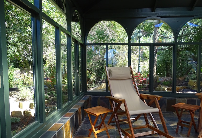 INTABA LODGE, Cape Town, Property Grounds