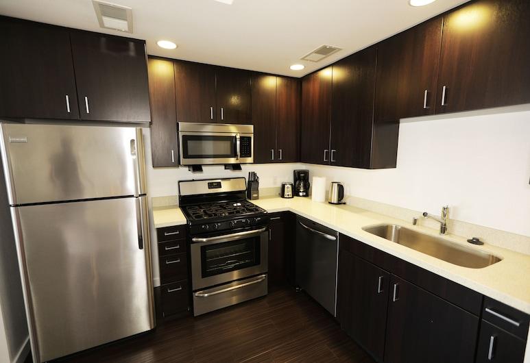 荷里活明亮套房酒店, 洛杉磯, 舒適開放式客房, 1 張加大雙人床及 1 張梳化床, 私人廚房