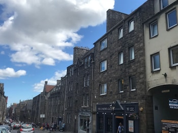 Picture of Crags View Apartment in Edinburgh