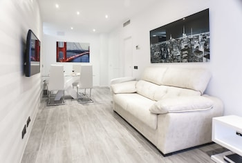 Picture of Goles Deluxe Suite by Valcambre in Seville