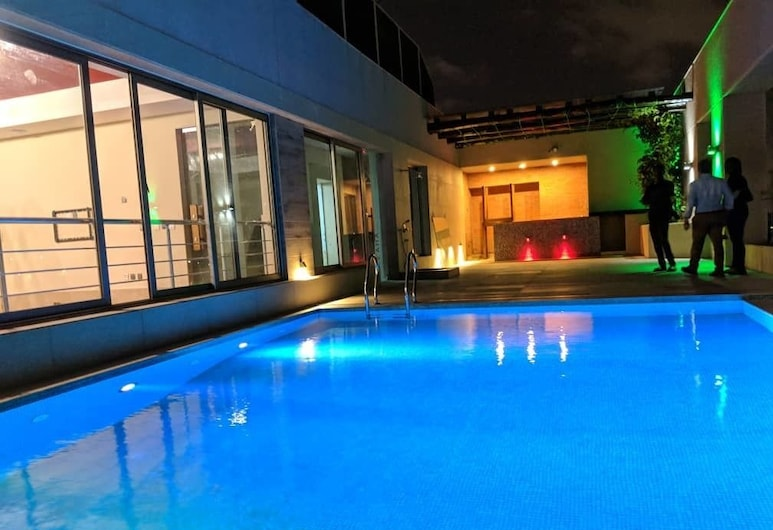The Urban Apartments & Suites, Accra, Outdoor Pool