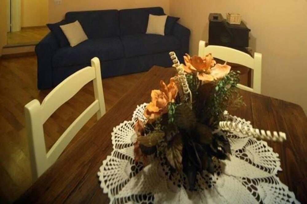 Suite Keluarga - Tempat Makan Di Kamar