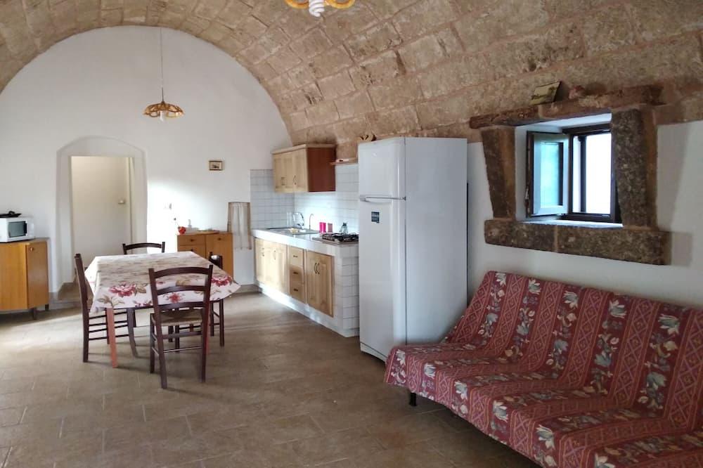 传统公寓, 2 间卧室, 花园景观 - 起居室