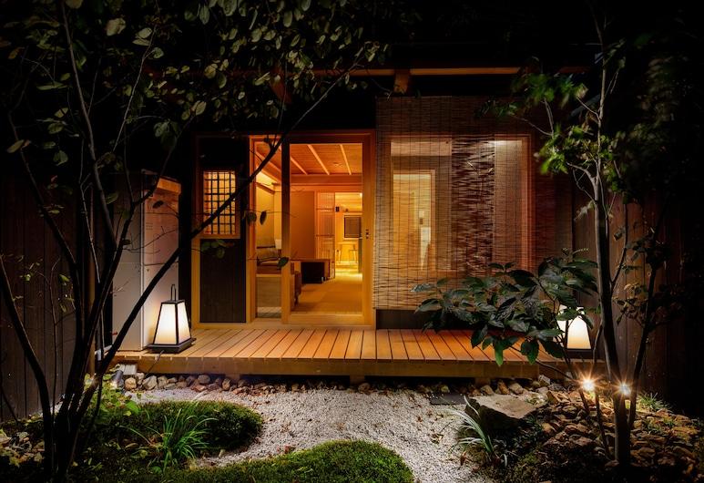TSUMUGI SANJUSANGENDO, Kyoto, Garden