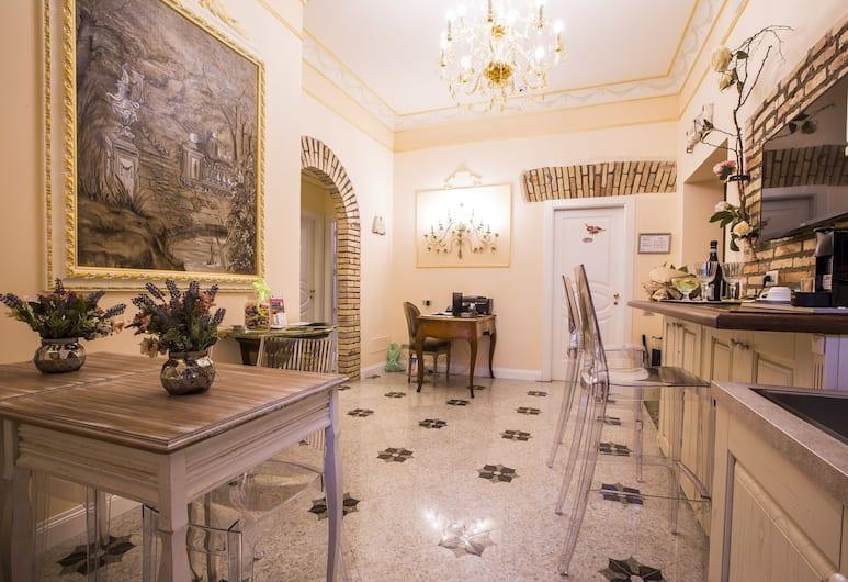 Trastevere Royal Suite Trilussa, Rome, Lobby Sitting Area