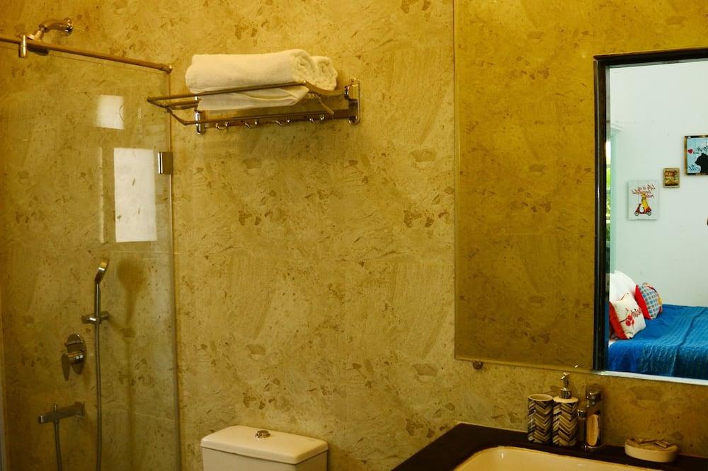 Superior Apartment, 2 Double Beds, Non Smoking - Bathroom