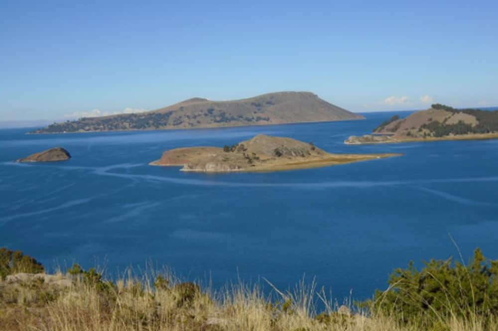 Trīsvietīgs numurs, koplietojuma vannasistaba - Skats uz ezeru