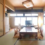 Private Vacation Home - In-Room Dining