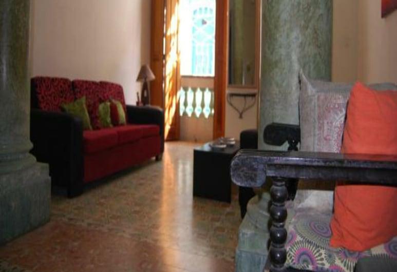 La Casa de Maide, Havana, Lobby