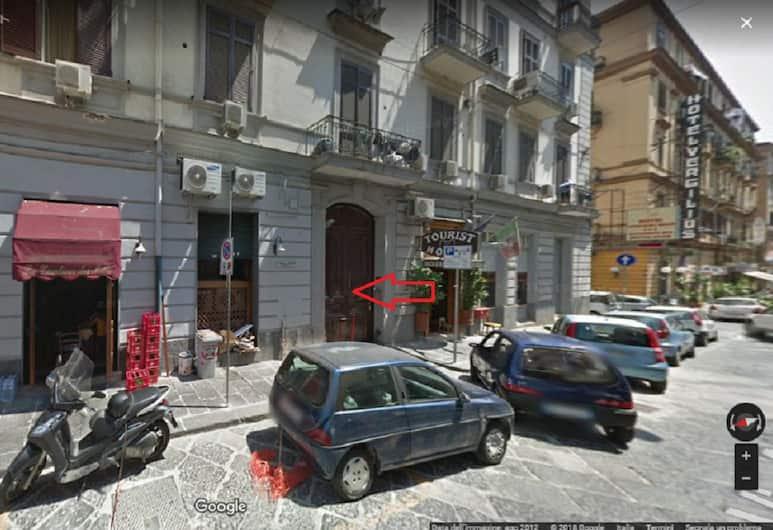 托爾托拉加里波第廣場客房酒店, 那不勒斯, 酒店入口
