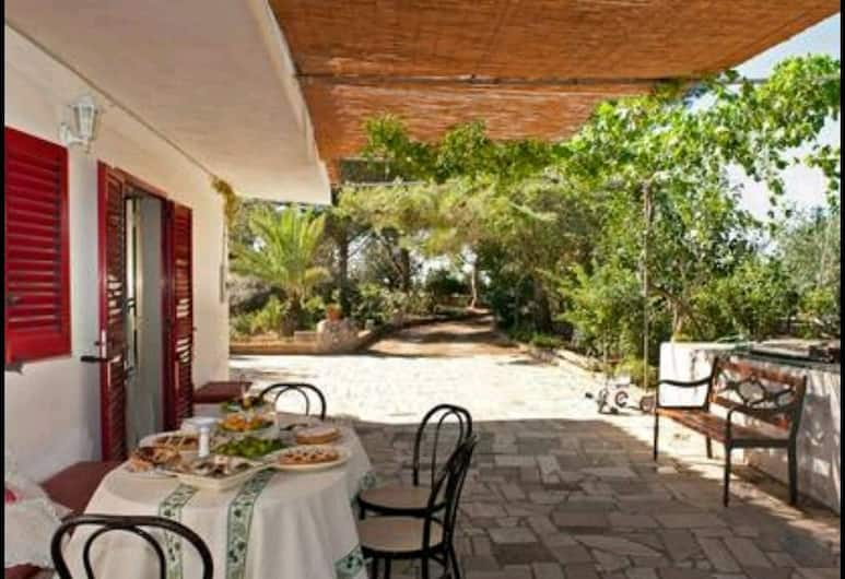 Bed and Breakfast La Liccina, Ugento, Terrasse/Patio