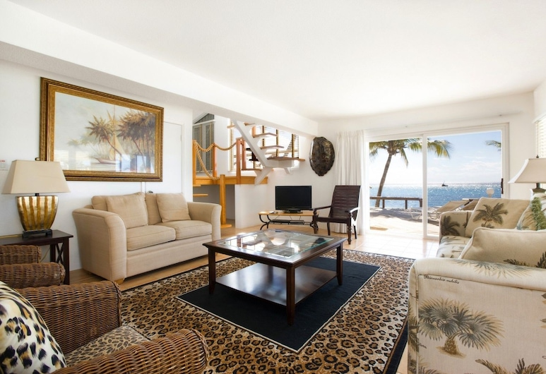 Caribbean Paradise by Cayman Villas, George Town, Huvila, Olohuone