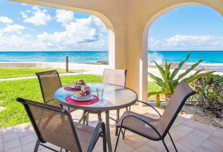 George Town Villas by Cayman Villas, Seven Mile'i rand, Villa, Terrass