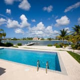 Halcyon Days by Cayman Villas