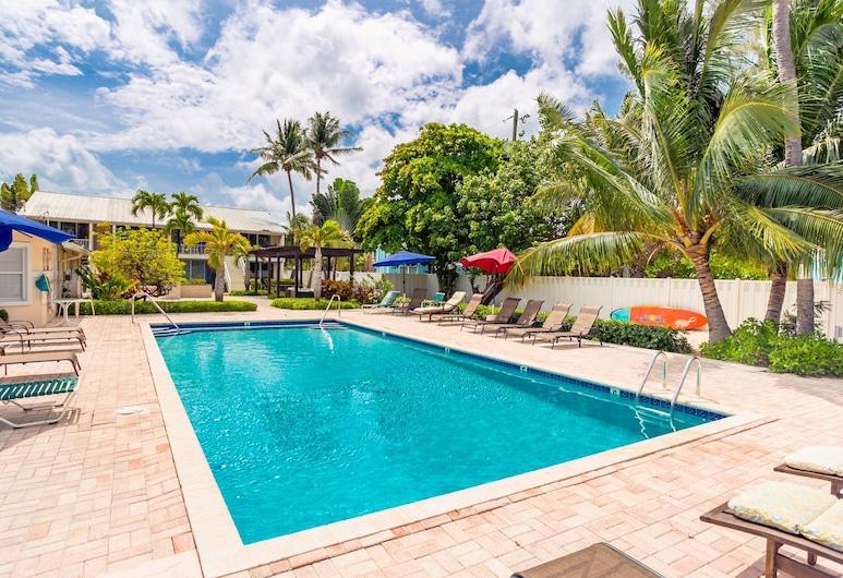 Island Pines by Cayman Villas, Seven Mile Beach