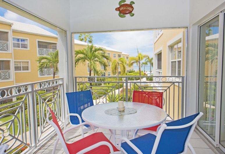 Regal Beach Club by Cayman Villas, Seven Mile'i rand, Villa, Terrass
