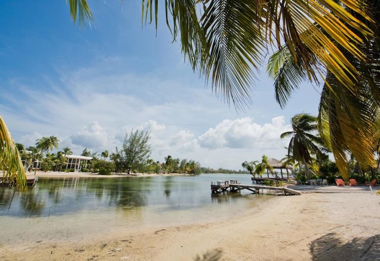 Rum Sands by Cayman Villas, North Side, Strönd