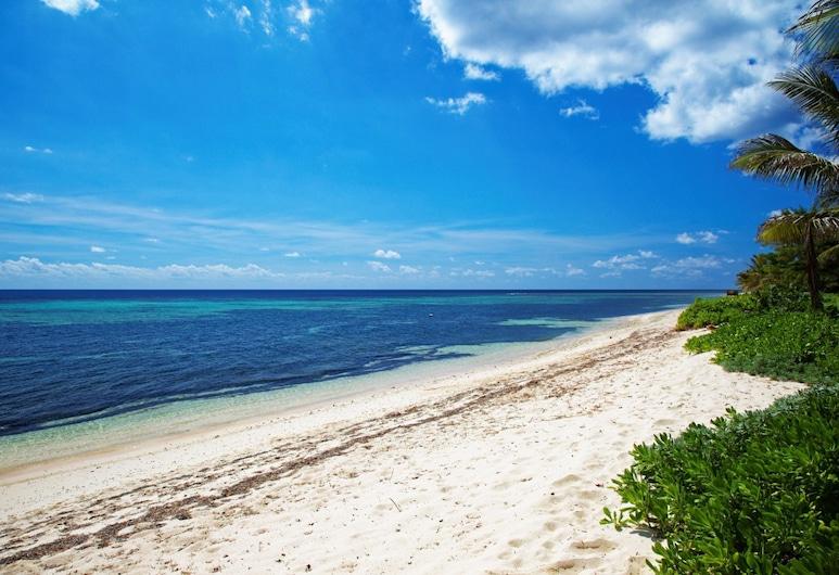 Serenity Sands by Cayman Villas, Bodden Town, Beach
