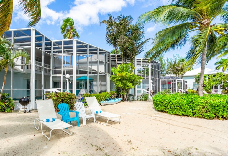 The Pools by Cayman Villas, North Side