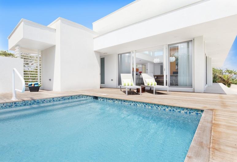 Villa Esprit by Cayman Villas, North Side