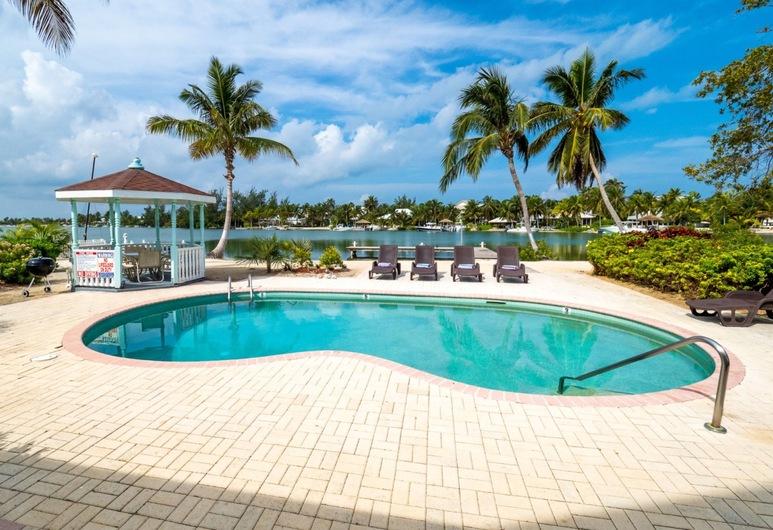 Villa La Playa by Cayman Villas, Nortsaida