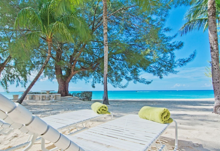 Whitesands by Cayman Villas, Seven Mile Beach, Beach