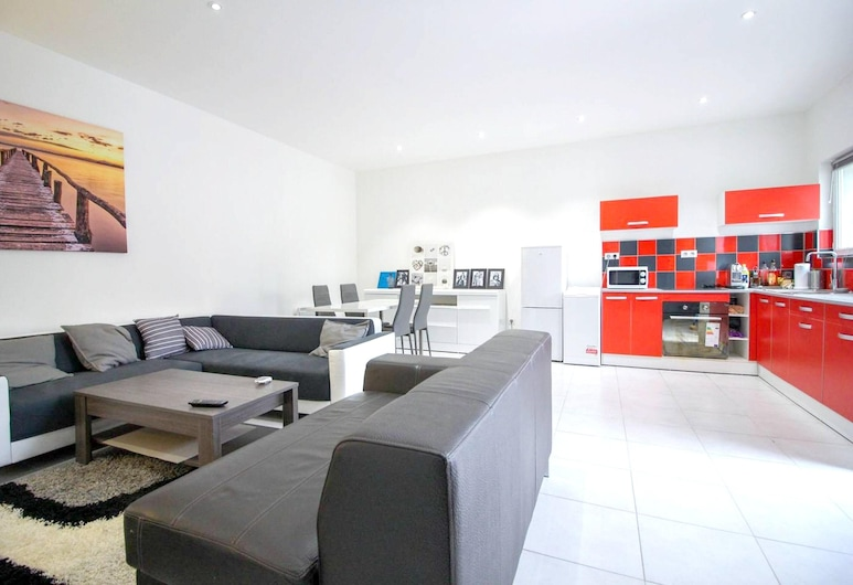 Apartment With 2 Bedrooms in Marseille, With Terrace and Wifi - 5 km From the Beach, มาร์เซย์