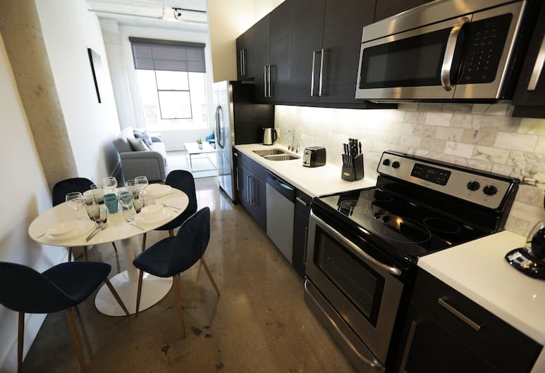 Downtown Lofty Suites, Los Angeles, Deluxe Studio, 1 Queen Bed with Sofa bed, City View, Private kitchen