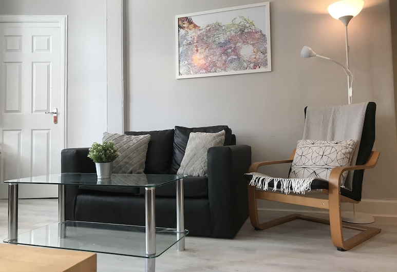 Easter Road Edinburgh Apartment, Edinburgh, Comfort Apartment, 2 Bedrooms, Non Smoking, Living Room