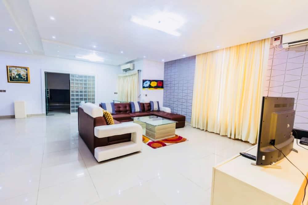 Apartmán typu Executive, viacero postelí - Obývačka